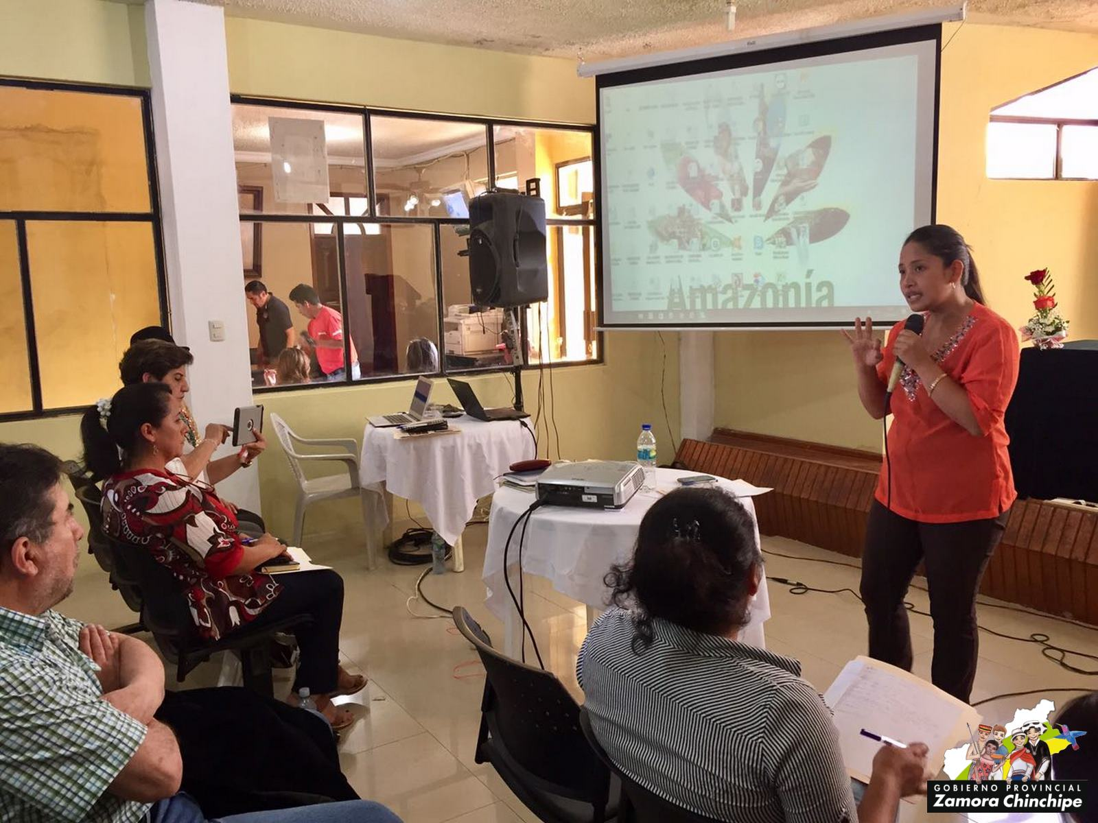 Campos agr colas se fortalecen en chinchipe gobierno for Vivero de cafe pdf